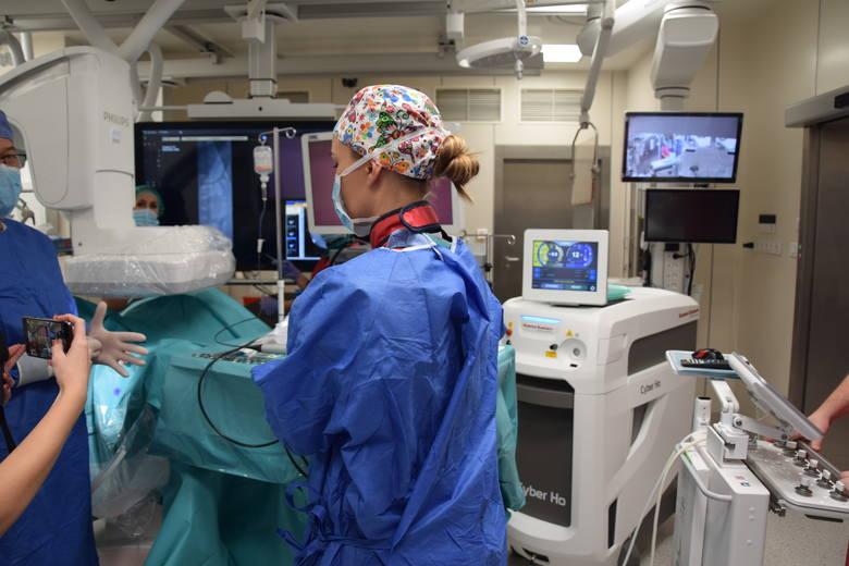 Warsztaty w Szpitalu Uniwersyteckim i Klinice Wiśniowa w Zielonej Górze dla lekarzy z różnych krajów, którzy uczą się u nas nowoczesnych metod leczenia kamicy u dzieci - 7-9 października 2019.