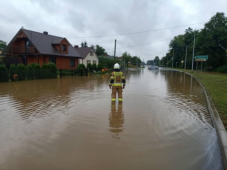W miejscowości Malinniki droga została zalana