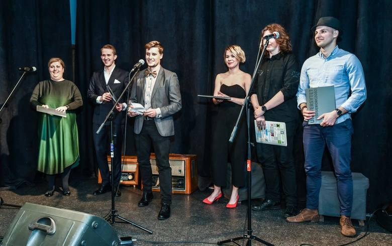 Siedemnaścioro wokalistów wzięło na warsztat piosenki Wojciecha Młynarskiego, którego twórczość patronowała IV Ogólnopolskiemu Konkursowi Piosenki Aktorskiej