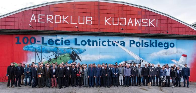 Obchody 85. rocznicy działalności Aeroklubu Kujawskiego odbyły się na lotnisku im. Józefa Piłsudskiego w Inowrocławiu. Uroczystość była okazją do uhonorowania