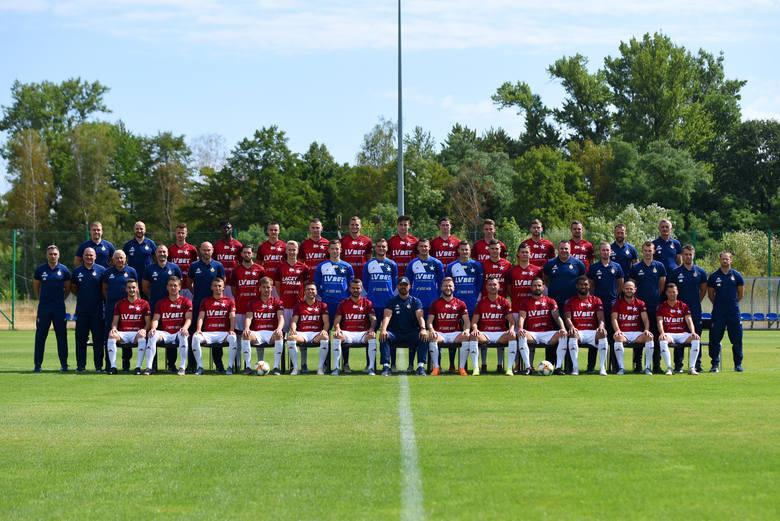 """Wisła Kraków kończy przygotowania do sezonu 2019/2020 w piłkarskiej ekstraklasie. Do zespołu """"Białej Gwiazdy"""" dołączyło kilku nowych"""