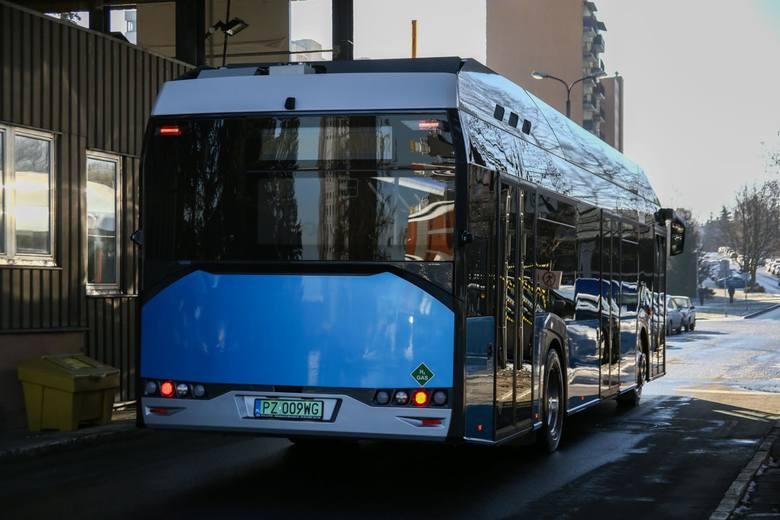 Kraków. Po raz pierwszy zaprezentowano autobus zasilany wodorem [ZDJĘCIA]