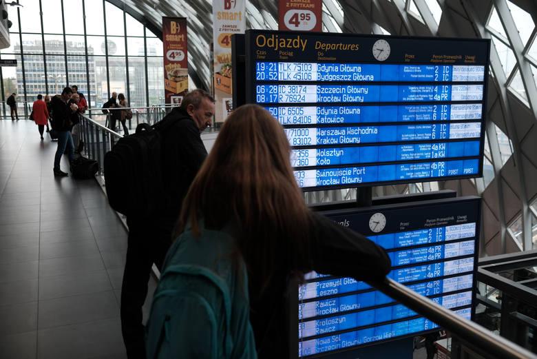 PKP: Zerwana sieć trakcyjna na trasie Poznań – Wrocław. Duże opóźnienia pociągów