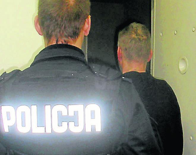 Mężczyźnie przedstawiono zarzuty składania seksualnych propozycji małoletniej poniżej 15. roku życia.