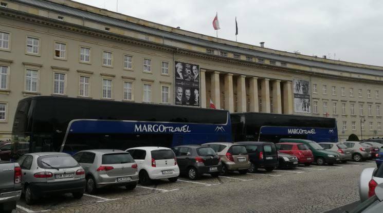 Dolnośląski Urząd Wojewódzki, Wrocław, blokada, autokary.