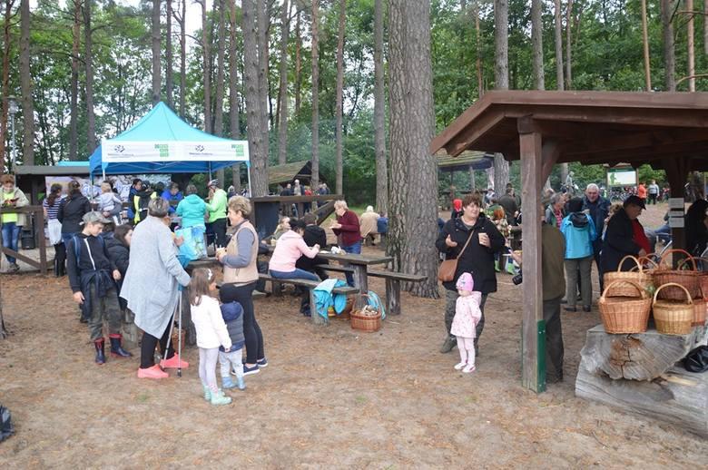 W sobotę, 28 września, okolice Korzybia w gminie Kępice były scenerią XIII mistrzostw w zbieraniu grzybów. Dopisała pogoda, ale najważniejsze, że w lasach