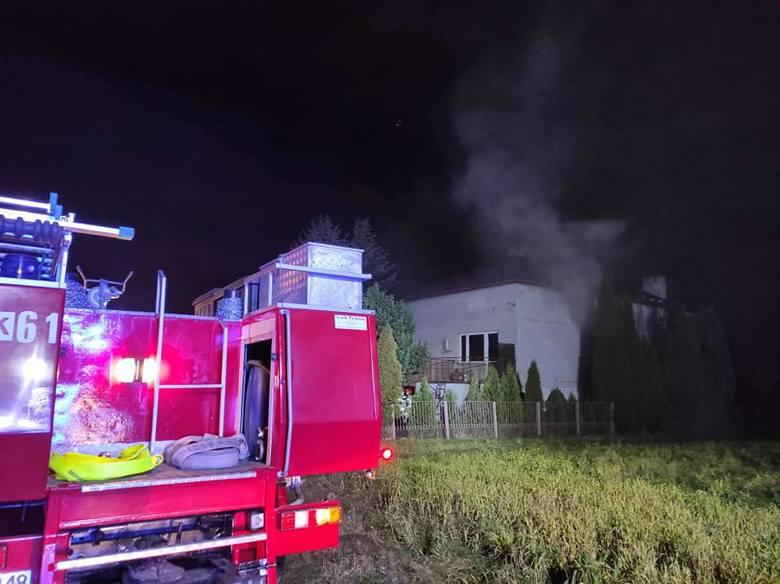 Nocą wybuchł pożar w Siedlcu w gminie Krzeszowice. Ogień pojawił się w budynku mieszkalnym [ZDJĘCIA]