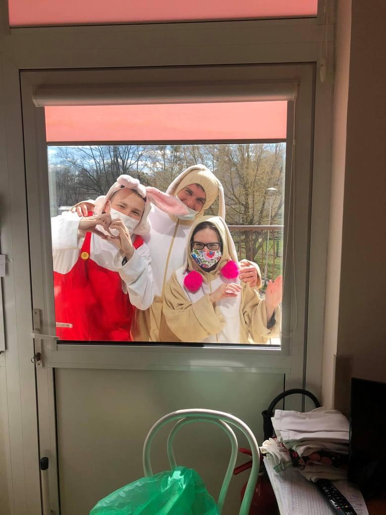 Wolontariusze Fundacji Bajkowa Fabryka Nadziei pamiętają o pacjentach onkologii dziecięcej.