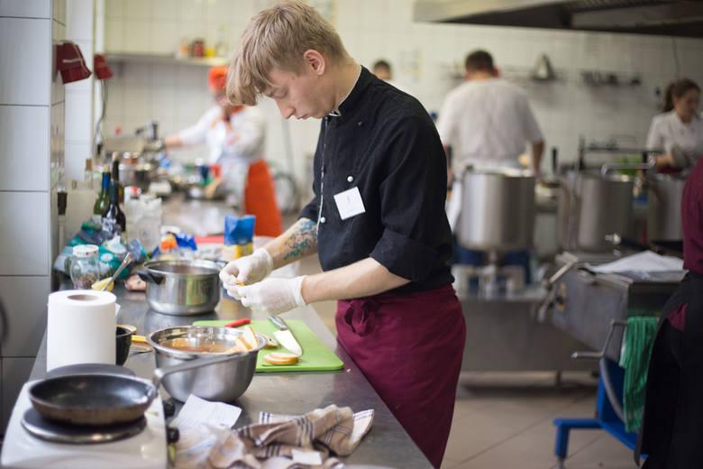 IX Kulinarny Puchar Regionu. Młodzi kucharze pichcili regionalne potrawy