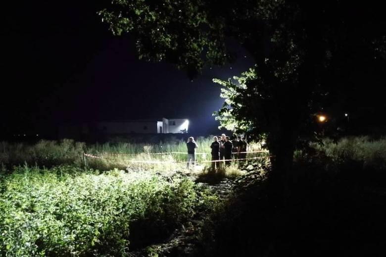 Do wypadku doszło na terenie jednego z gospodarstw. Ojcu udało się wyciągnąć dziecko ze studni jeszcze przed przyjazdem strażaków. Na miejscu pojawiło