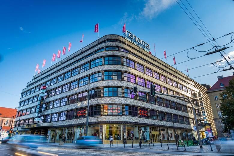 Wrocławską Renomę czeka remont. Zespół architektów pod kierownictwem Zbigniewa Maćkowa opracuje nowy projekt aranżacji wnętrz, zmieni się także oferta.