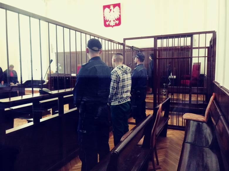 Białystok. Brutalne zgwałcenie 14-latki. Napastnik usłyszał wyrok 8 lat więzienia i 10-letni zakaz zbliżania się do ofiary (zdjęcia)