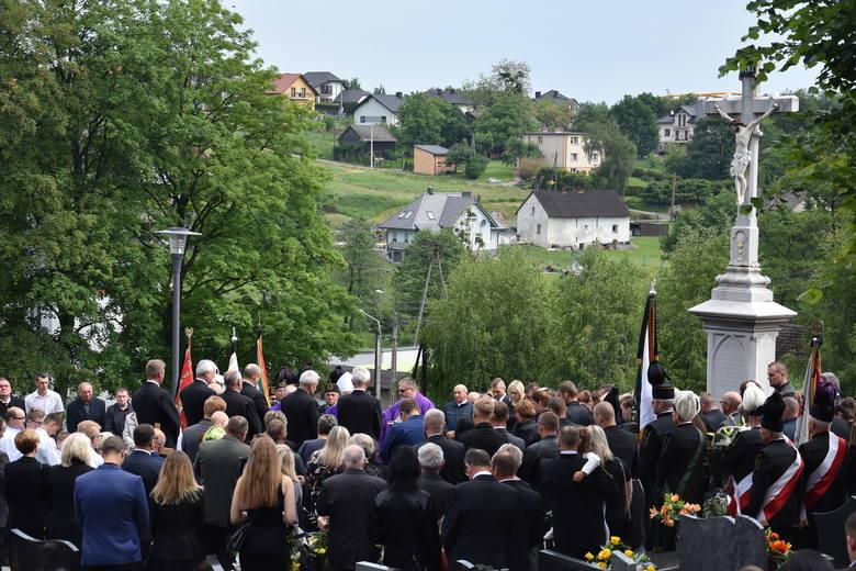 Tłumy żegnały górnika z Mszany, ofiary katastrofy w kopalni Zofiówka