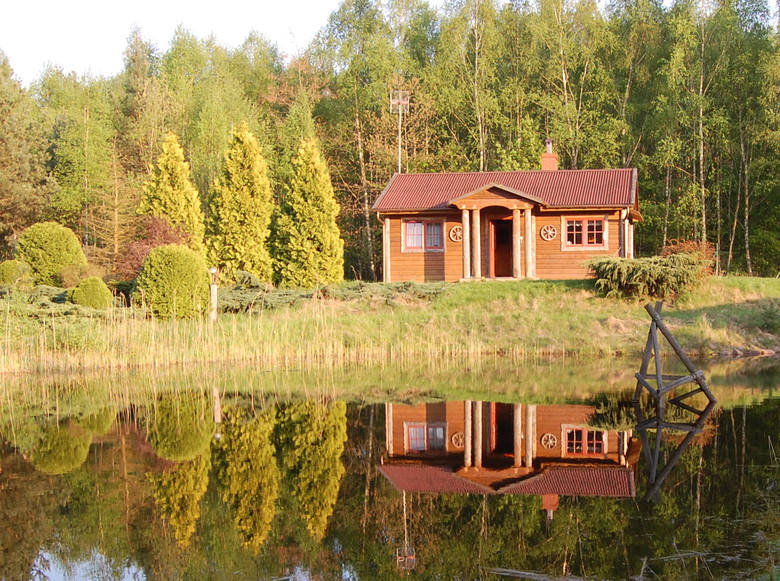 Domek w Mirotkach na skraju Borów Tucholskich - enklawa tylko dla Ciebie i Twojej rodziny. Więcej informacji tutaj: dworekwlesie.pl, kontakt: andrzej.radunski22@gmail.com,