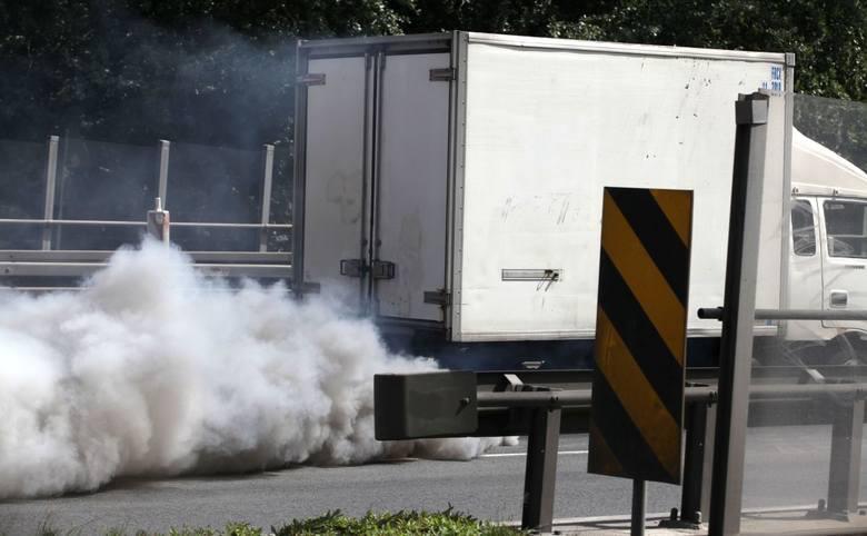 Samochody z silnikiem diesla emitują spaliny, które w największym stopniu zanieczyszczają powietrze