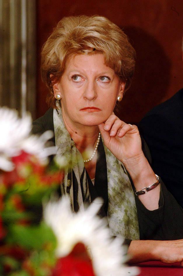 Hanna Suchocka jako pierwsza w historii kobieta stanęła na czele rządu. Wtedy w 1992 roku polska scena polityczna była rozbita na kilkadziesiąt partii.