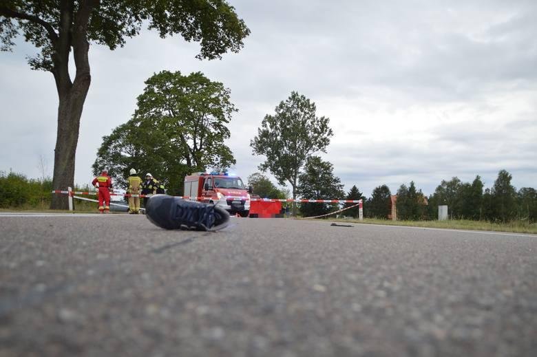 Śmiertelny wypadek w Czersku. Zginął młody rowerzysta 30.08.2020. Tragedia na DK 22 [zdjęcia]