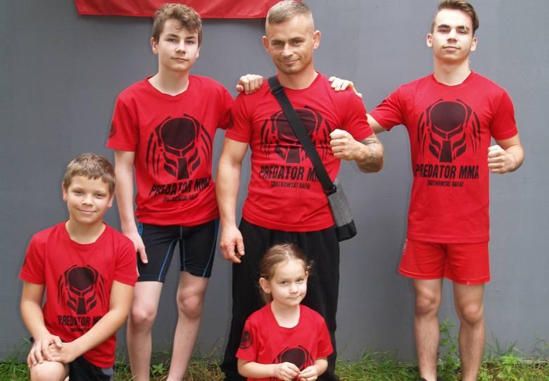 Rafał Gnatkowski z dziećmi