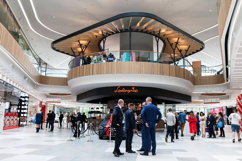 Niedziele handlowe 2019: czy 8 grudnia przypada niedziela handlowa? Gdzie jutro na zakupy? Lista sklepów [06.12]