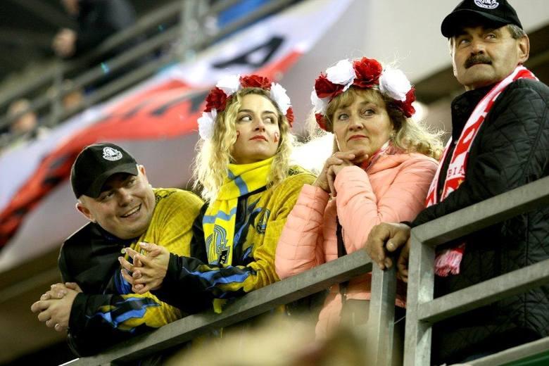 Ponad 17 tysięcy kibiców fetowało mistrzostwo świata Bartosza Zmarzlika na Motoarenie. To był wspaniały wieczór dla żużlowej Polski. Zobaczcie zdjęcia