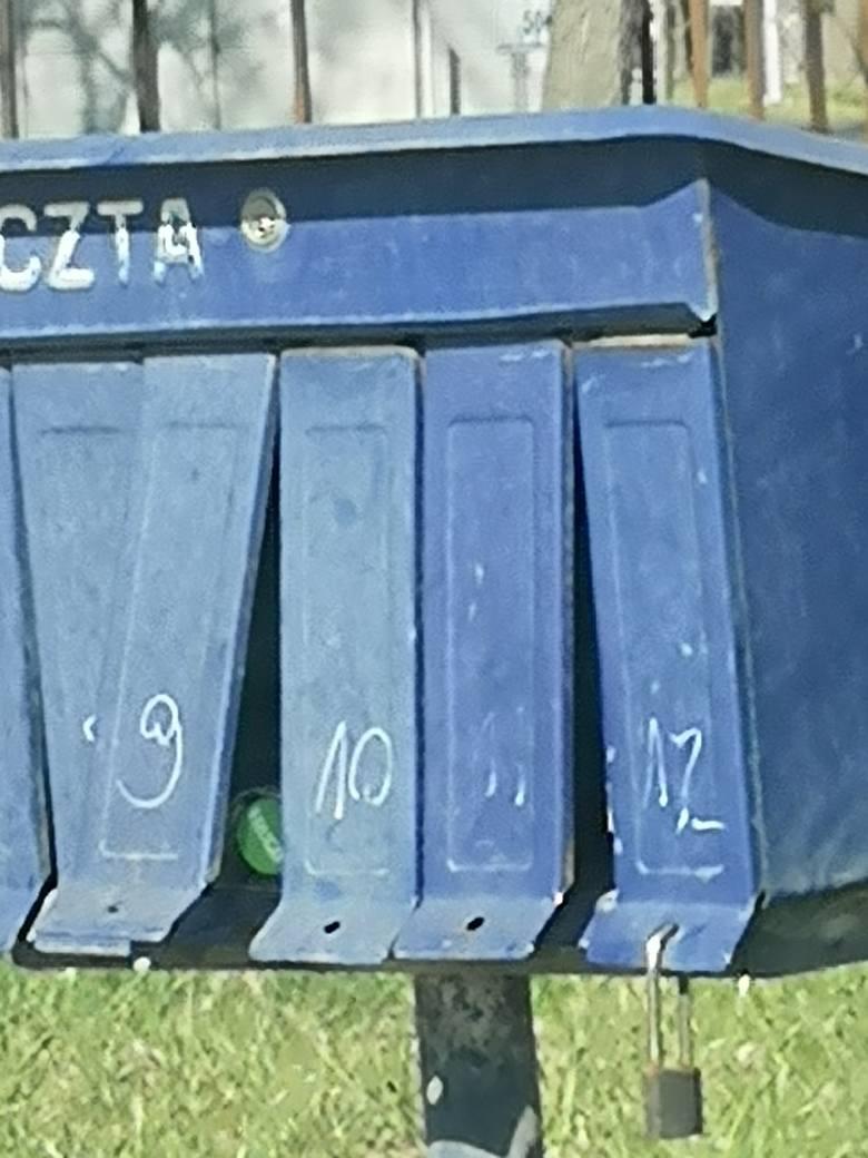 Skrzynki pocztowe w okolicach Nowego Tomyśla.