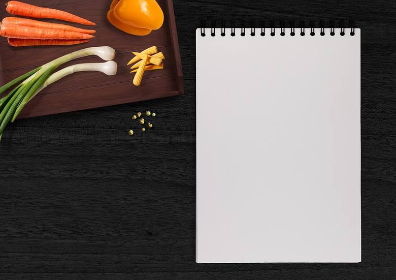 Planowanie z wyprzedzeniem tego, co zjesz przez kilka następnych dni, pozwoli Ci na zrobienie dobrej listy zakupów produktów spożywczych, które na pewno