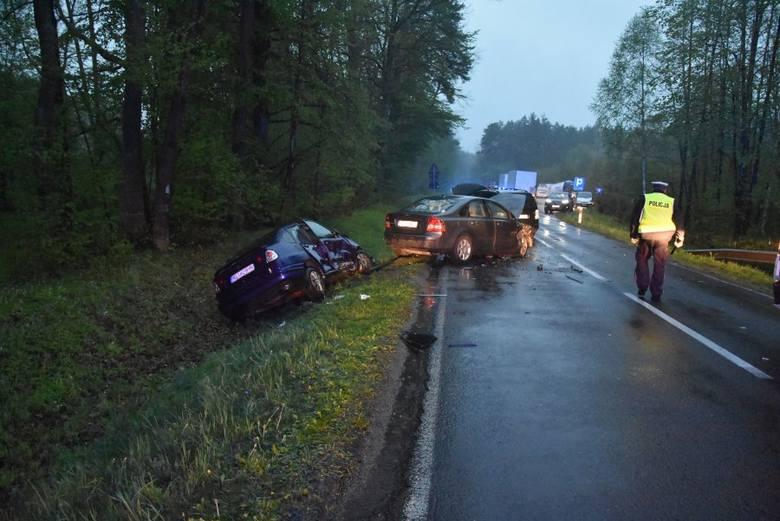 Do wypadku doszło w niedzielę na drodze wojewódzkiej nr 865, pomiędzy miejscowościami Lipina a Wólka Zapałowska koło Lubaczowa. Policjanci wstępnie ustalili,
