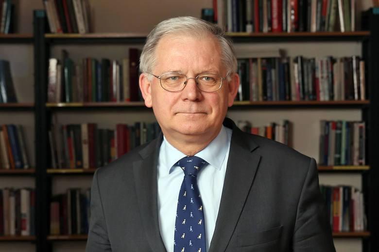 Prof. Bäcker o nowym kandydacie KO: Rafał Trzaskowski pokazał już, że potrafi prowadzić kampanię
