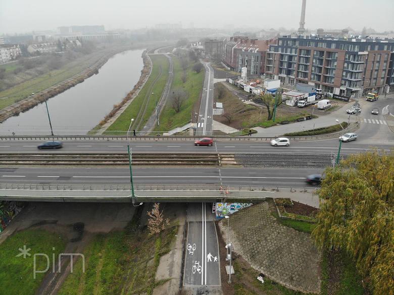 Przy Moście Chrobrego powstanie łącznik prowadzący pieszych i rowerzystów do Wartostrady