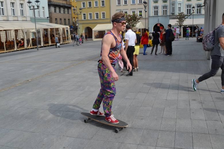 Igry 2016 w Gliwicach: korowód studentów na Rynku [ZDJĘCIA]