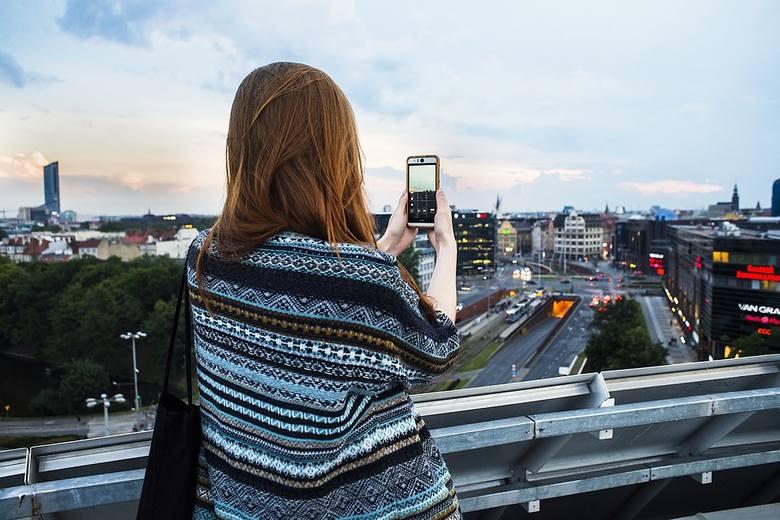 82 i pół roku - to statystyczna długość życia mieszkanek Wrocławia w 2018 roku. Wyliczyli ją eksperci z Urzędu Statystycznego we Wrocławiu. Wrocławianki