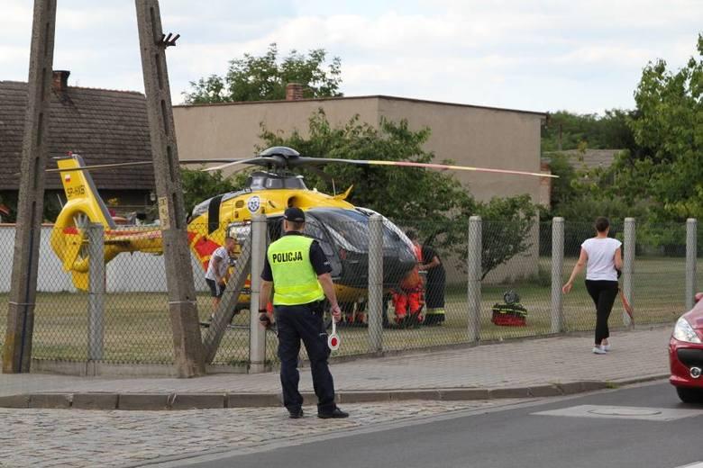 We wtorek, 21 sierpnia w miejscowości Obra niedaleko Wolsztyna kilkuletnie dziecko wypadło z okna na wysokości pierwszego piętra. Rannego malucha przetransportowano