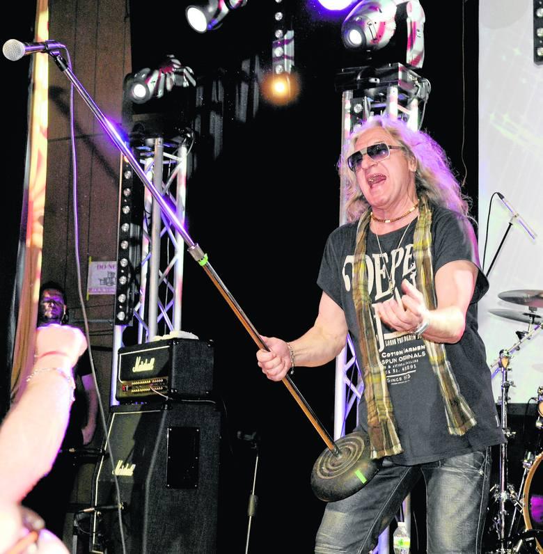 Grzegorz Markowski – lider i wokalista Perfectu. Związał się z grupą w 1979 roku. Wcześniej śpiewał w grupie Victoria Singers