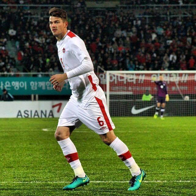 """W mieście nad Dunajcem było jednak podobnie. Kanadyjczyk rozegrał osiem spotkań na zapleczu ekstraklasy, w których grywał """"ogony"""". Jego przygoda z Polską"""