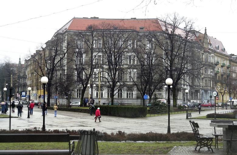 Ta była przychodnia u zbiegu ulic Piłsudskiego i alei Jedności Narodowej nie zostanie zagospodarowana. Także i to nie jest zmartwieniem dla władz Szczecina.