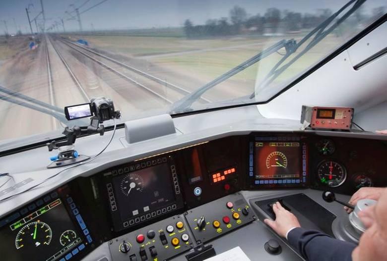 Od niedzieli, 10 marca, zacznie obowiązywać wiosenna korekta kolejowego rozkładu jazdy. PKP Intercity uruchomi nocny łącznik z Zielonej Góry do Poznania,