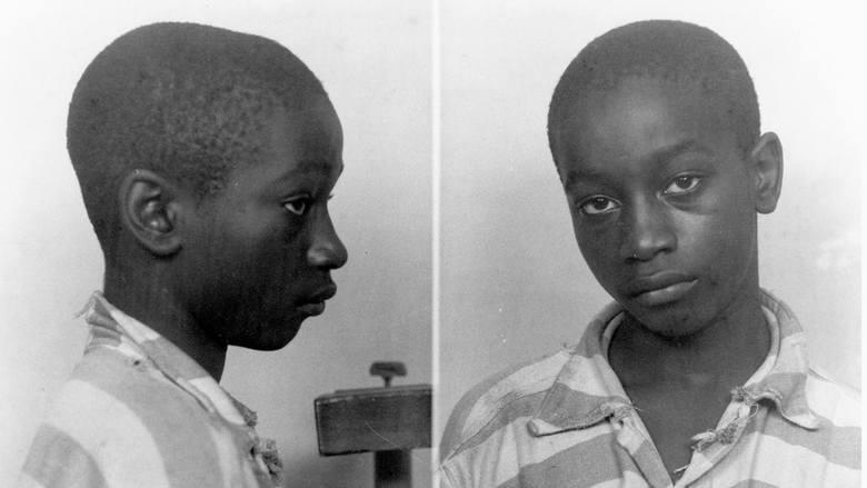 14-latek bez procesuGeorge Stinney, jako 14-letni chłopiec, został oskarżony o zabójstwo dwóch dziewczynek. Egzekucję wykonano poprzez posadzenie na