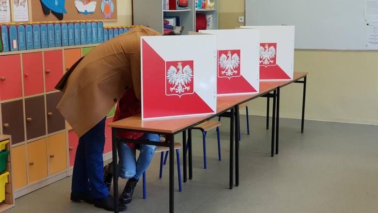 Jakie są wyniki wyborów w powiatach na Opolszczyźnie.