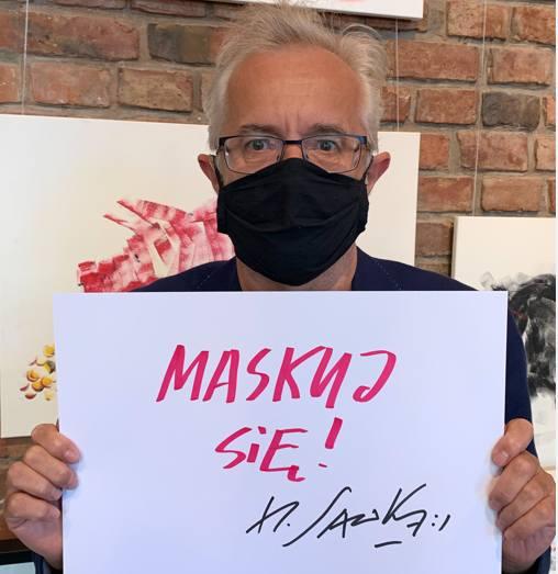 Do akcji NFZ, by pamiętać o zasłanianiu ust i nosa, na prośbę Zachodniopomorskiego Oddziału Funduszu, przyłączył się  Henryk Sawka. Z jego pomysłu powstał