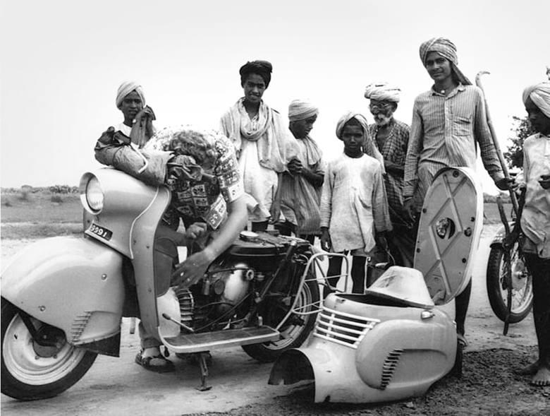 Na przełomie lat 50. i 60. Osę M 50 testowano w Indiach. Próby wykazały, że w gorącym klimacie chłodzenie osłoniętego nadwoziem silnika było niewystarczające