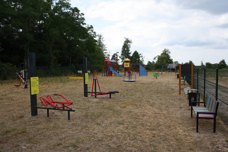 Nowo wybudowany plac zabaw w Żernikach