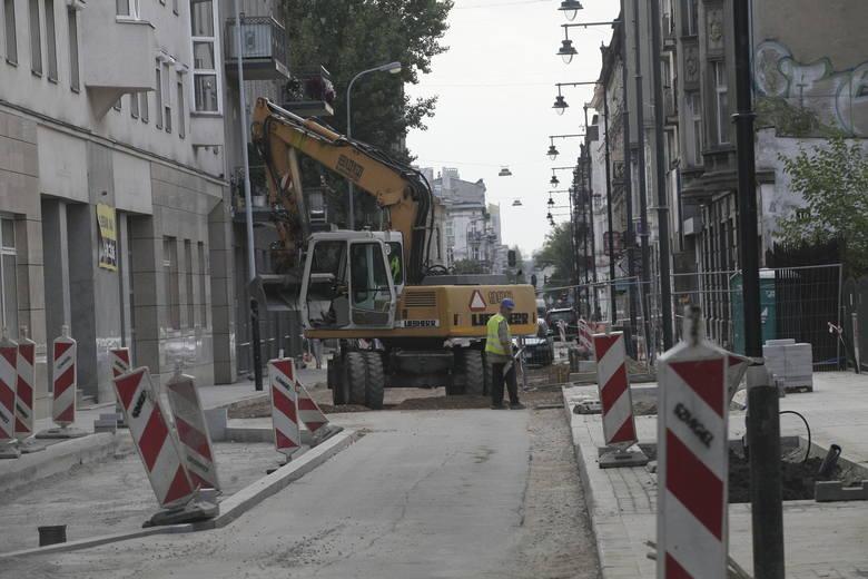 Ulica Nawrot tylko w połowie będzie wkrótce gotowa. Jeden z odcinków otworzą dopiero w październiku