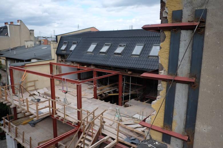 Według PINB w Poznaniu budowa przy ul. Półwiejskiej to największa samowola budowlana ostatnich lat