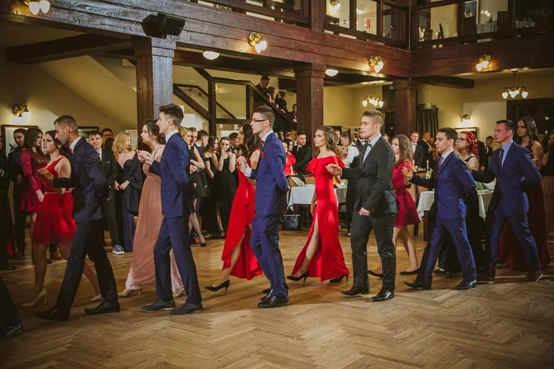 Studniówki 2019. Zobacz, jak bawili się maturzyści z Technikum Ekonomiczno-Handlowego nr 5 w Krakowie [GALERIA]
