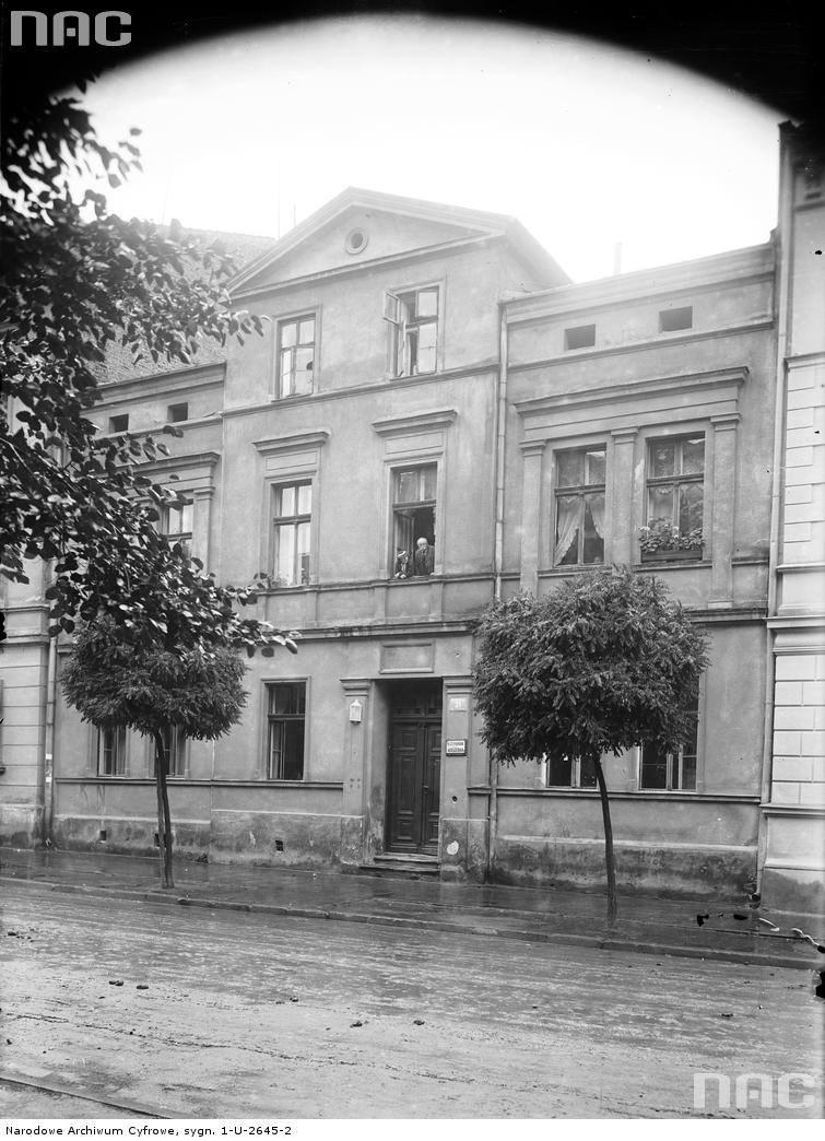 Budynek przy ulicy Szlak nr 31
