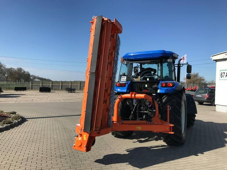 Tak wygląda nowy ciągnik kupiony przez gminę Andrzejewo