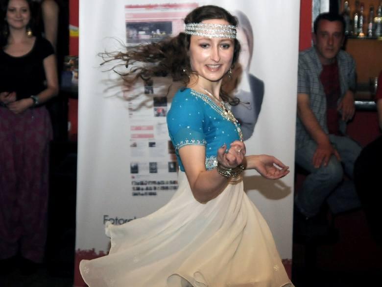 Warsztaty tańca bollywood w poprowadziła w Od Nowie Agni.