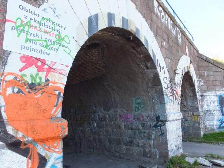 Ul. Hetmańska. Strzelnica sportowa w starym tunelu (zdjęcia, wideo)