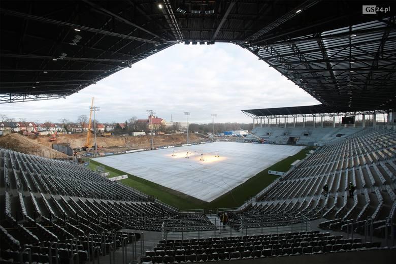 Obchód stadionu przy Twardowskiego w Szczecinie.