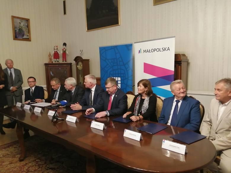 Kraków. W sprawie igrzysk są polityczne intencje. A kasa? Konkretów brak